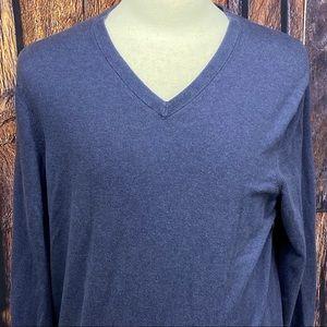 💥2/$15 sweater sale. Banana Republic v-neck blue